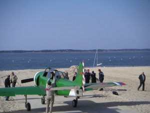 YAK atterrissage d'urgence sur la plage Péreire à Arcachon - Photo : JL2MC