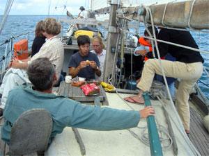 Boréal et son équipage en plein pique-nique