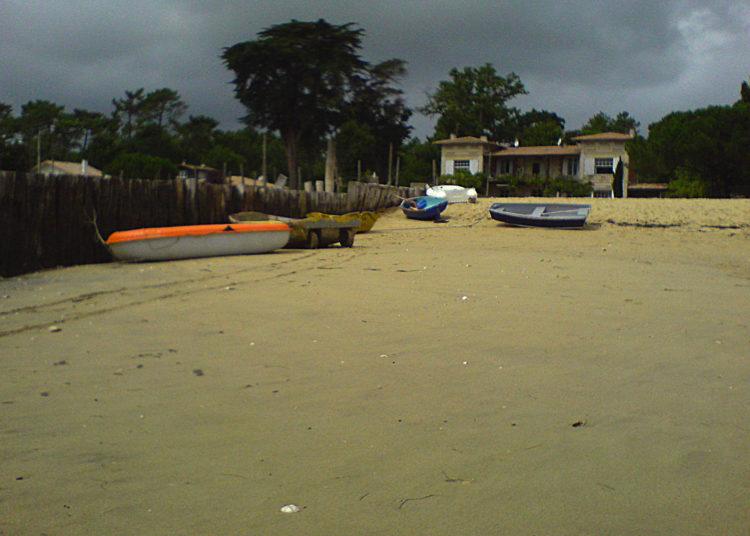Villa ancienne sur la plage de Piquey