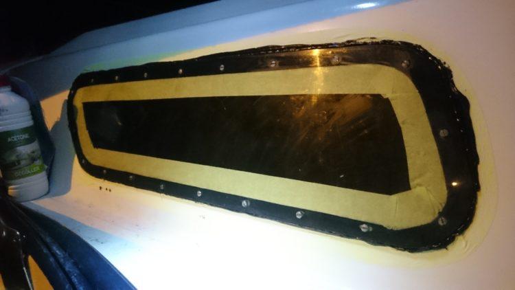 Pose de hublots au MS Polymère sur Lanaverre 590