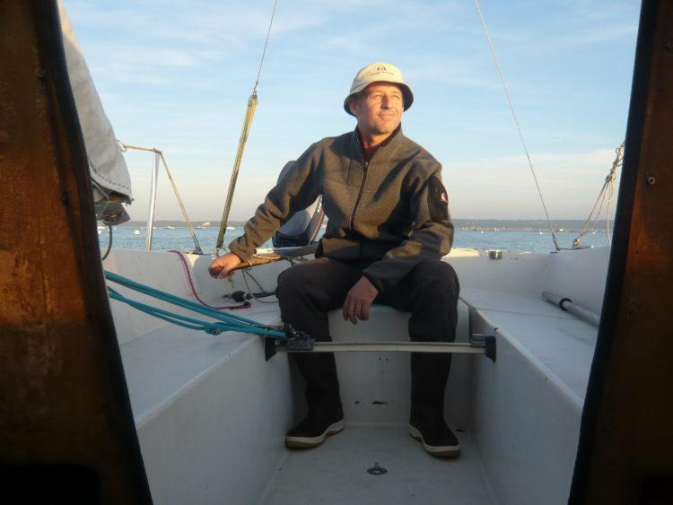Autoportrait d'un marin bien équipé