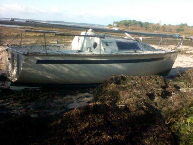 Première photo de l'Iboga échoué à Saint-Brice