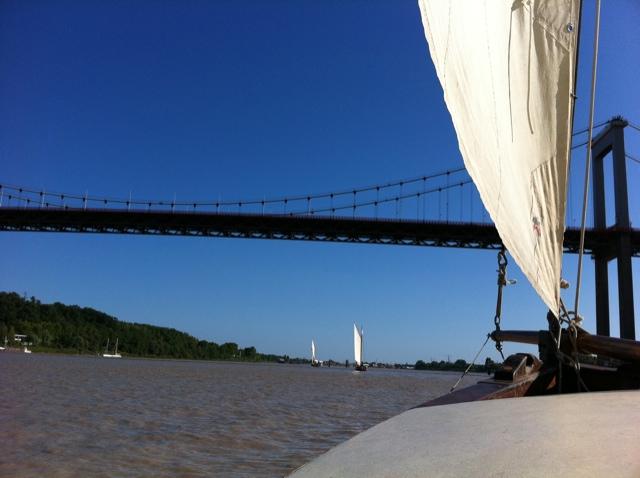 Sous le pont d'Aquitaine : le retour. #fetedufleuve #Bordeaux