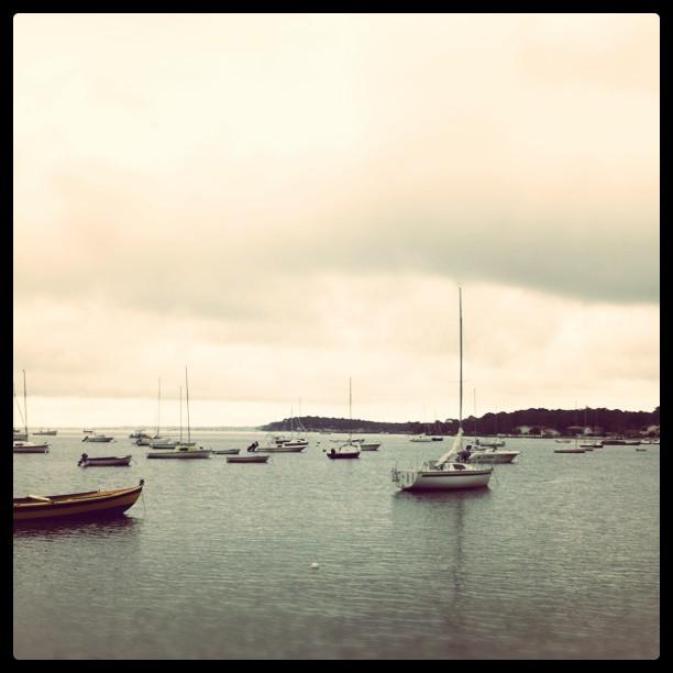 Arriver assez tôt pour récupérer le bateau flottant : check. #marees