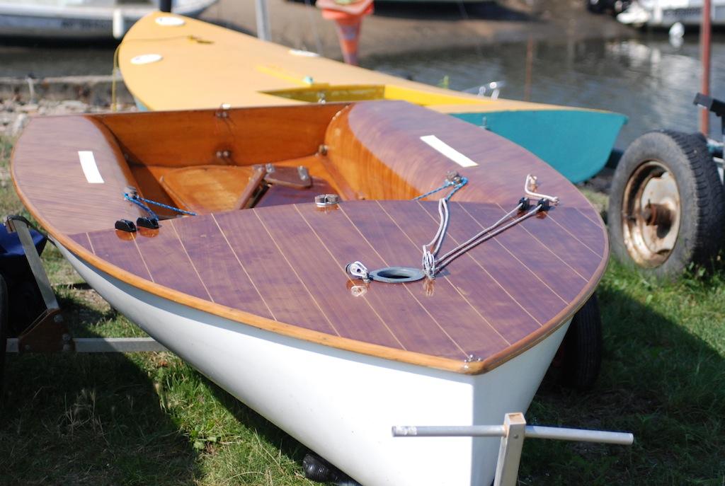 Moth Europe Rolland n°2999. Vu pour la dernière fois au port du Canal le 20 juillet.