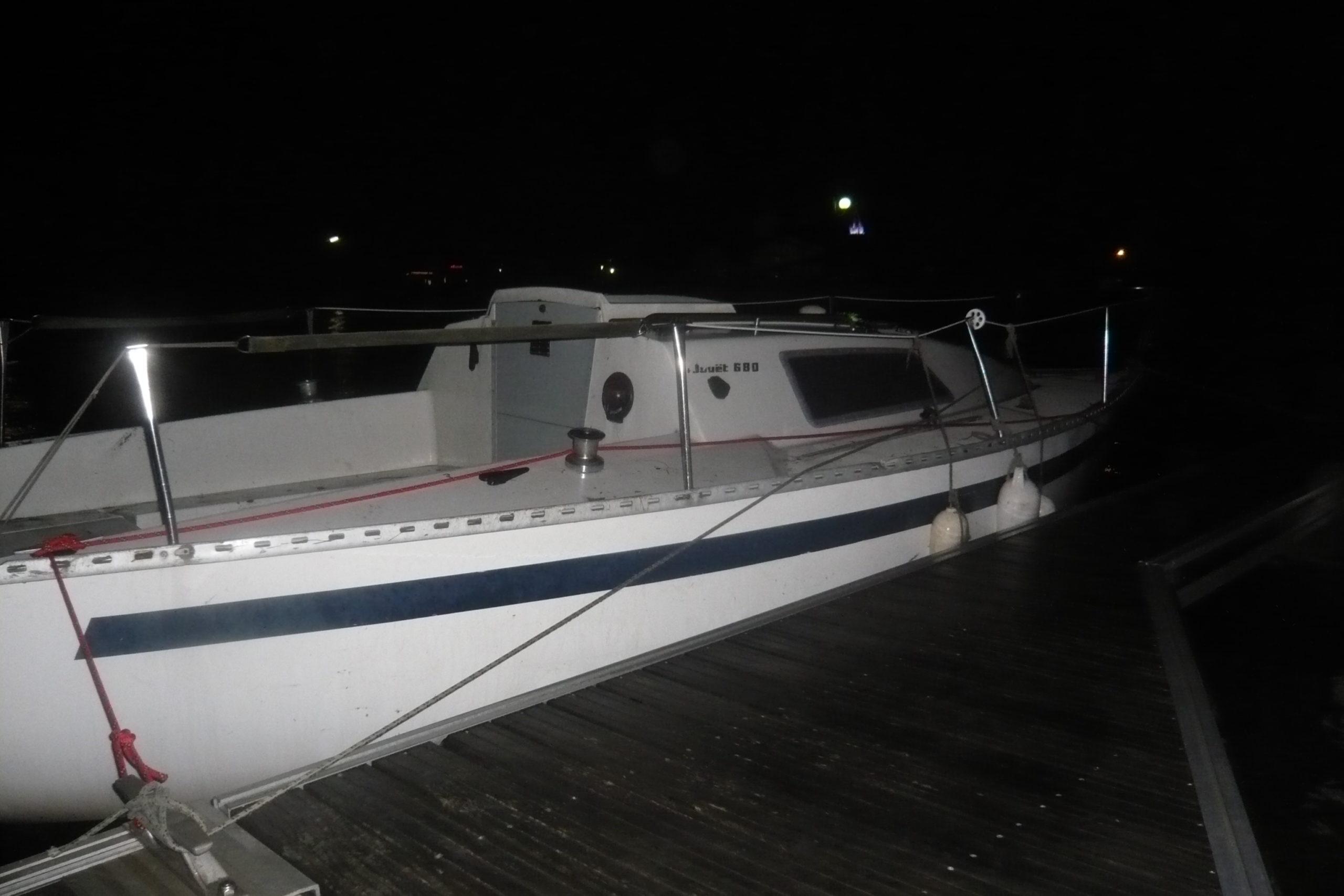 Non sans galère, l'Iboga est enfin à l'abris au port d'Andernos